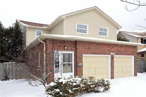 Spacious 4 Bdrm Home! Huge Lot!! Rare Find in Oakville! Hwys!!