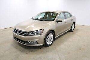 2016 Volkswagen Passat COMFORTLINE Accident Free,  Leather,  Hea