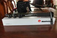 Monopod Manfrotto # 680B & Sac Lowepro 75$ pour les deux items