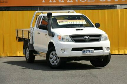 2006 Toyota Hilux KUN26R MY05 SR Xtra Cab White 5 Speed Manual Cab Chassis Cheltenham Kingston Area Preview