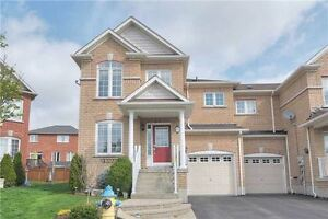 3 Bedroom End Unit Townhouse-Newmarket