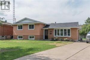 28 JACOBSON AVE St. Catharines, Ontario