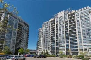 THREE BED condo in the heart of THORNHILL - 2 parking spots!