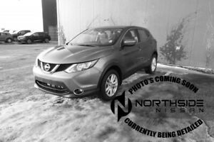 2017 Nissan Qashqai SV Heated Seats,  Sunroof,  Back-up Cam,  Bl
