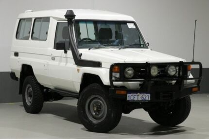 2006 Toyota Landcruiser HZJ78R (4x4) 3 Seat White 5 Speed Manual 4x4 TroopCarrier Bentley Canning Area Preview