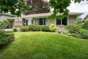 "3 Bed / 2 Bath Det'd Bungalow In ""Glens"" In Nw Oshawa!"