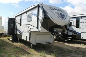 2018 AVALANCHE 365MB FIFTH WHEEL