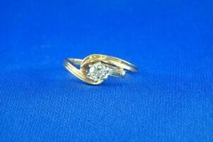 Bague fait  d'or avec diamant 25 points