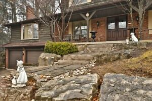 Beautiful  House in Ancaster for Rent !