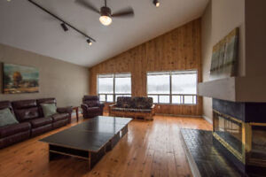 7 Bed Blue Mountain Tyrolean Ski Chalet
