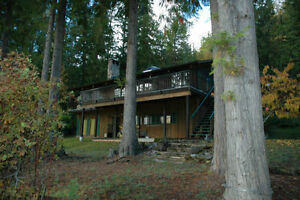 Rare Opportunity - Prime Shuswap Lake Lakefront Cabin Rental
