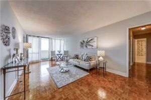 Spacious 2+1 Bedroom Condo W/New Kitchen At Massey Sq