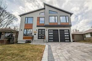 Hohse for sale (Willowdale And Centre)