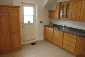 15-025 All inclusive! Lovely Upper Flat in desirable Hydrostone
