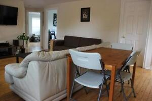 May 1 - Large bright four bedroom flat - Dalhousie