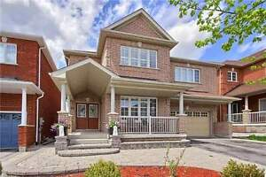 5 Bedrooms Detached house Near Upper Cannada Mall Newmarket