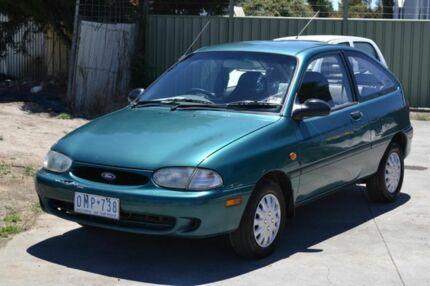 1997 Ford Festiva TRIO Green Automatic Sedan