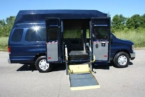 2009-Ford-E-Series-Van-E-350-Super