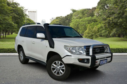 2007 Toyota Landcruiser UZJ200R Sahara (4x4) White 5 Speed 5 SP AUTOMATIC Wagon Kewdale Belmont Area Preview