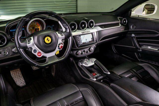Image 11 Voiture Européenne d'occasion Ferrari FF 2014