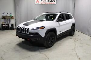 2017 Jeep Cherokee 4WD TRAILHAWK Leather,  Heated Seats,  Panora