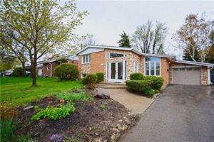 FOR RENT: Beautiful Detached Home in the Heart of Streetsville