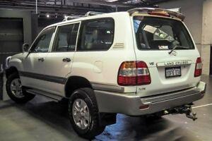 2006 Toyota Landcruiser UZJ100R VX White 5 Speed Automatic Wagon