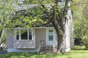 2 student tenants wanted in a 4 bedroom house on Kitchen St