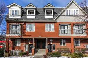 2 Bed Townhome In Heart Of King West Village!
