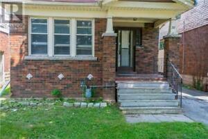 38 ARNOLD ST Hamilton, Ontario
