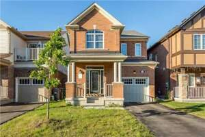 3 Bedrooms Detached Home in Brampton