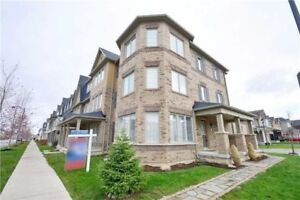 Spacious Milton Townhouse For Sale! 3 Bed, 3 Wash