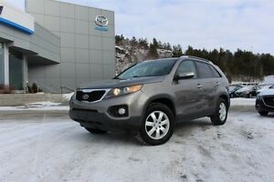 2011 Kia Sorento LX- GREAT FAMILY SUV+ 3RD ROW SEATS+ AWD& MORE!