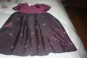 Girls Christmas Dresses Age 12 Mths -6/7 years.