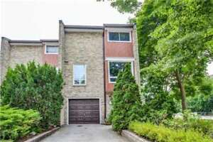 Mississauga 3 Bed 2 Bath Condo Townhouse in Southdown
