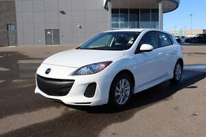 2013 Mazda Mazda3 GS-One Owner, Looks Brand New!