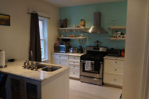 3 BEDROOM HOME FOR RENT - GREAT DT LOCATION