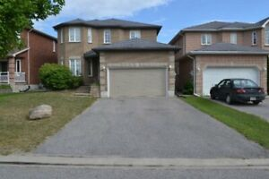 Detached 2 Story 4bdrms Upper Unit All Inclusive in Holly area