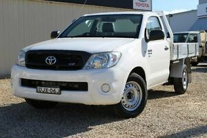 2011 Toyota Hilux GGN15R MY11 Upgrade SR Glacier White 5 Speed Automatic Cab Chassis Windradyne Bathurst City Preview