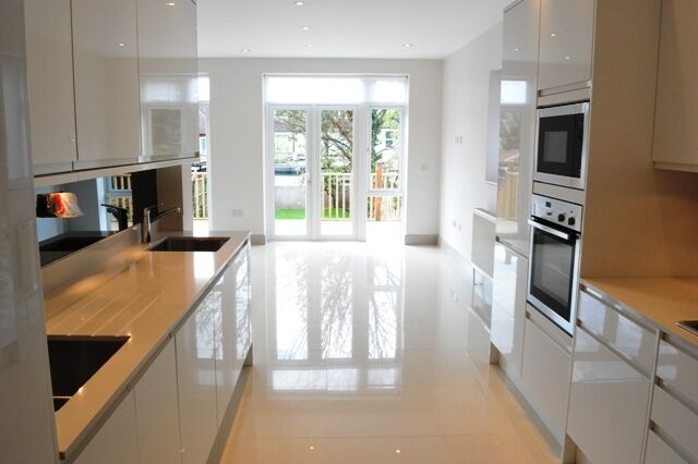 STUNNING brand newly extended and refurbished 5 bedroom, 3 bathroom (1 en suite)