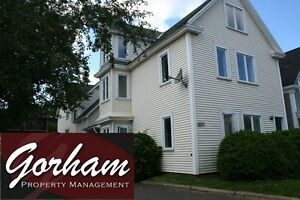 4 BEDROOM TOWNHOUSE - SEPT 1ST - DOWNTOWN - 3 LEVEL - DISHWASHER