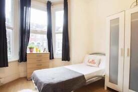 6 bedrooms in Springfield rd 22, N154AZ, London, United Kingdom