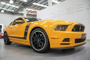 2013 Ford Mustang BOSS 302 5.0 V8 Yellow 6 Speed Automatic Coupe