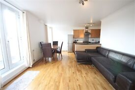 3 bedroom flat in Stanstead Road, Forest Hill