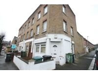 3 bedroom flat in Bovill Road, Honor Oak