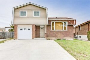 Detached Mississauga Home On Premium Lot!