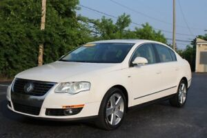 2007 Volkswagen Passat Sedan 2.0T Leather / Roof / Xenon