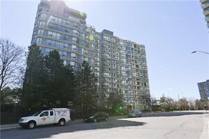 Beautiful 2 Bedroom + Den Condo With Parking. Mississauga