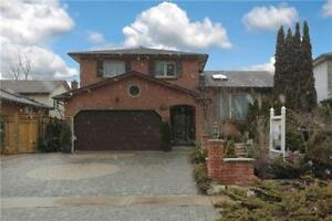 Beautiful House In Prime Location Of Oshawa At Iroquois Ave
