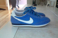 ***NIKE RUNNERS SZ 71/2 ~ less than 1/2 price